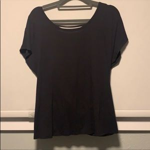 Lululemon open back black tee sz 10'like new